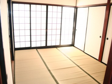 和室もあります。 寝室にぴったり!