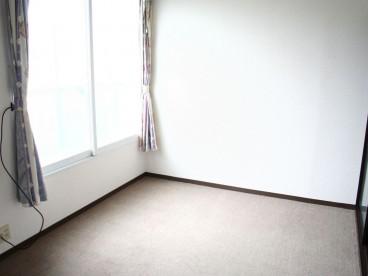 室内はシンプルなつくりになります。