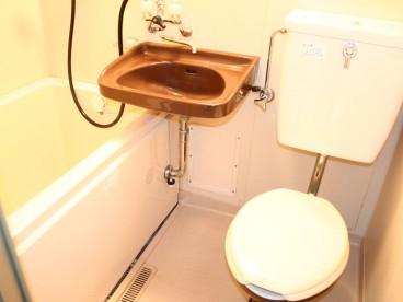 浴室は3点ユニットになります。