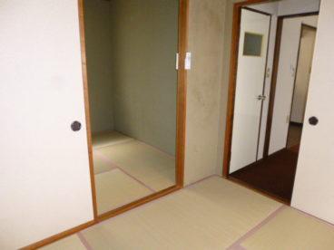 和室は二つ続いています。