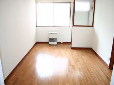 室内はフローリングになります。