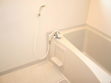 浴室は単独ユニットバスになります。