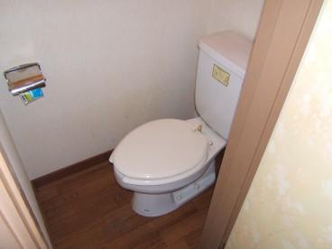 トイレも単独タイプです。