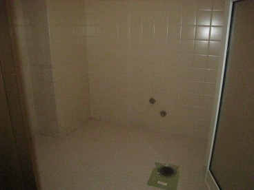 シャワールームです。忙しいサラリーマンにオススメ。浴槽もついてますので、お風呂としても利用可能!