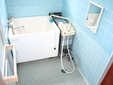 浴室はバランス釜になります。