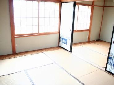 部屋は和室になります。