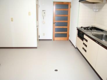 ビルトインタイプのキッチンがついてます。