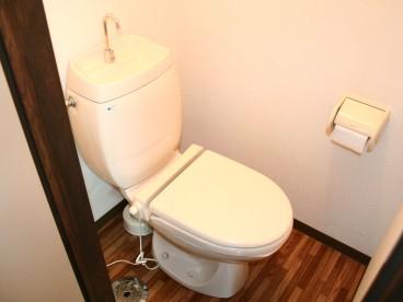 トイレは温便座。お尻あったか