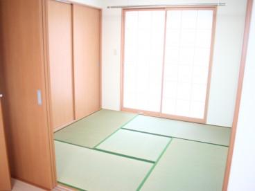 和室もあります。客間や子供の遊び場におすすめ。
