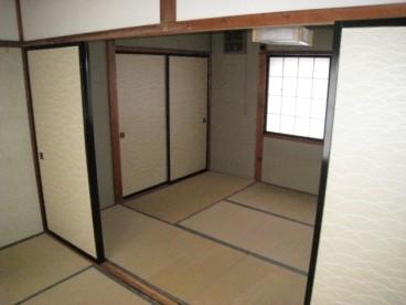 2Fは二間続きの和室です。
