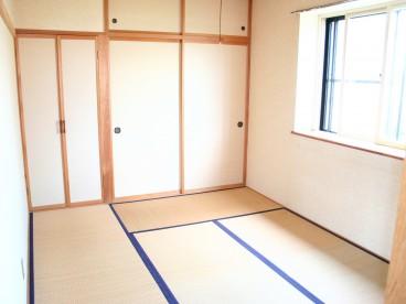 和室もあります。 寝室向けですね。