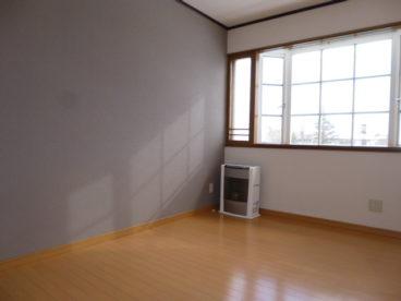 落ち着いたアクセントクロスが特徴のお部屋です。