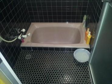 浴室は単独式