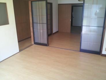 部屋が続いているので、開放すると広く使用できます。