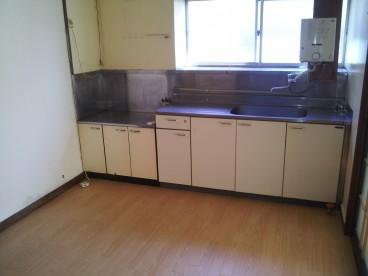 キッチンも広めなので調理がらくですね♪
