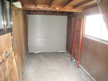 車庫もあります。