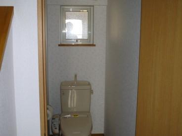 トイレは洋式。単独タイプです。