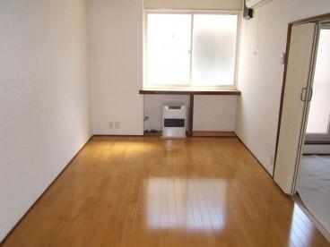 こちらが洋室のお部屋です。