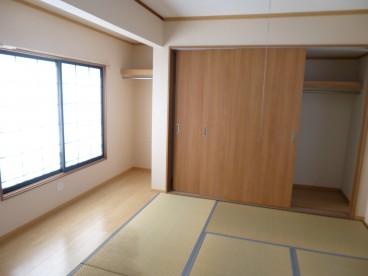 和室と洋室と扉を外すと広い一つのお部屋になりますね^^