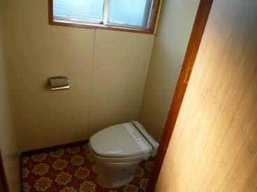 トイレは洋式便座ですよ~