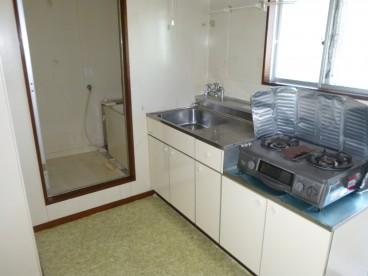 キッチンはこんな感じですよー^^