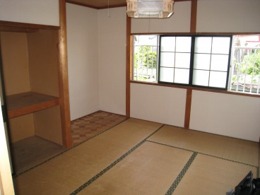 和室のお部屋ですので、座り心地よさそうですね^^