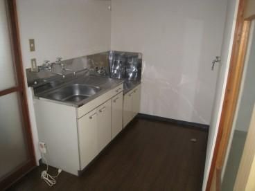 台所はシンプルです^^