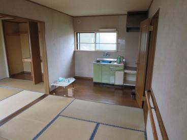 キッチン一体型の和室です。リビングとして使えますね!