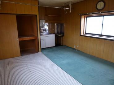 二階も事務所、休憩室としてご利用できます