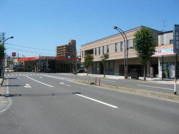 土手町の通りも目の前にあります。