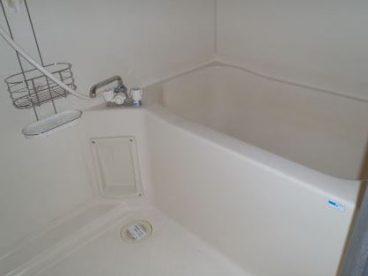 浴室は単独ユニットバス! ゆったりお風呂に入って、仕事の疲れを癒しましょう!