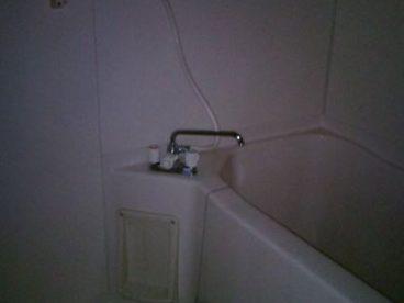 お風呂はトイレと一体型ではないので、衛生的ですね!