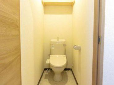 トイレはもちろんウォシュレット! 温便座なので冬もあったか