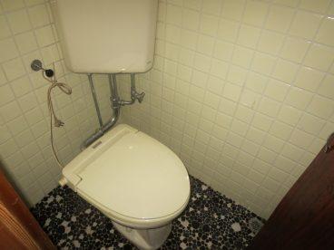 トイレは洋式。 お年寄りの方も安心