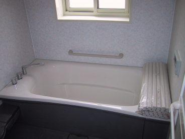 浴室は一坪タイプ。