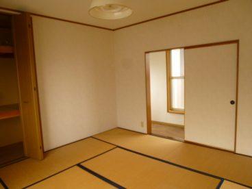 二階は和室です。お子様が転んでも安心。冬もフローリングより寒くありません