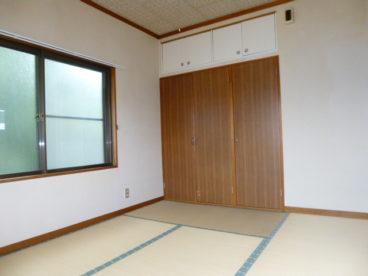 シンプルな和室。一人暮らしではあずましいですね