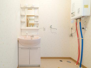 朝の味方洗面化粧台、広さもいいですよね。