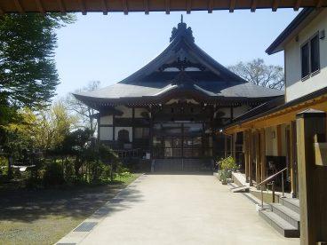 お寺散歩もいいですね。ちょっとした観光ですね