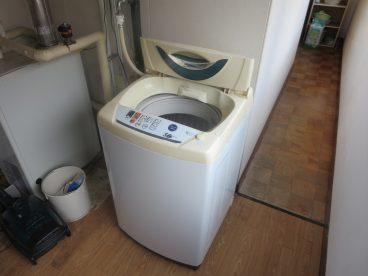 洗濯機も共用ながらあるので、ちょっとした出張利用もいいですね