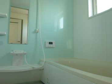 一坪タイプの浴室。お子様と一緒に家族だんらん!