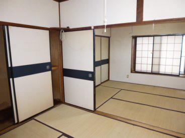 お部屋は二間続きの和室。片方をリビング、片方を寝室という使い方も可能