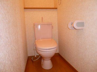 洋式トイレ。 独立式