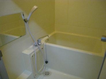 シャワー付きのお風呂です^^