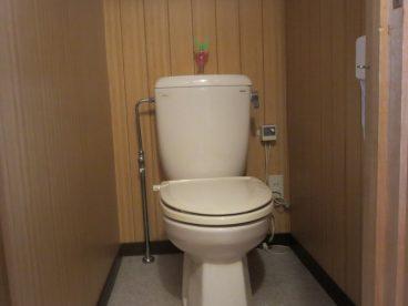 トイレは洋式。高齢の方も腰に負担がありませんね