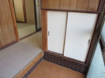 下駄箱付き玄関