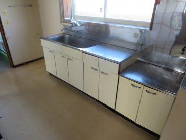 動線の良いキッチン。3っつの部屋。すべてに行きやすいよ