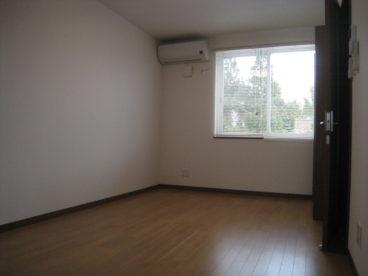 フローリングの綺麗なお部屋です。
