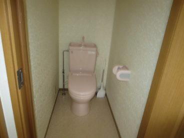 トイレは当然、洋式、ウォシュレット