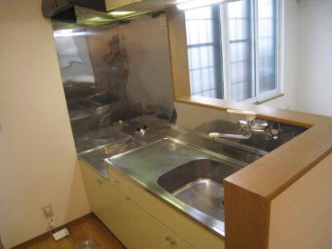対面キッチンなので、室内見渡しながら調理できますね^^